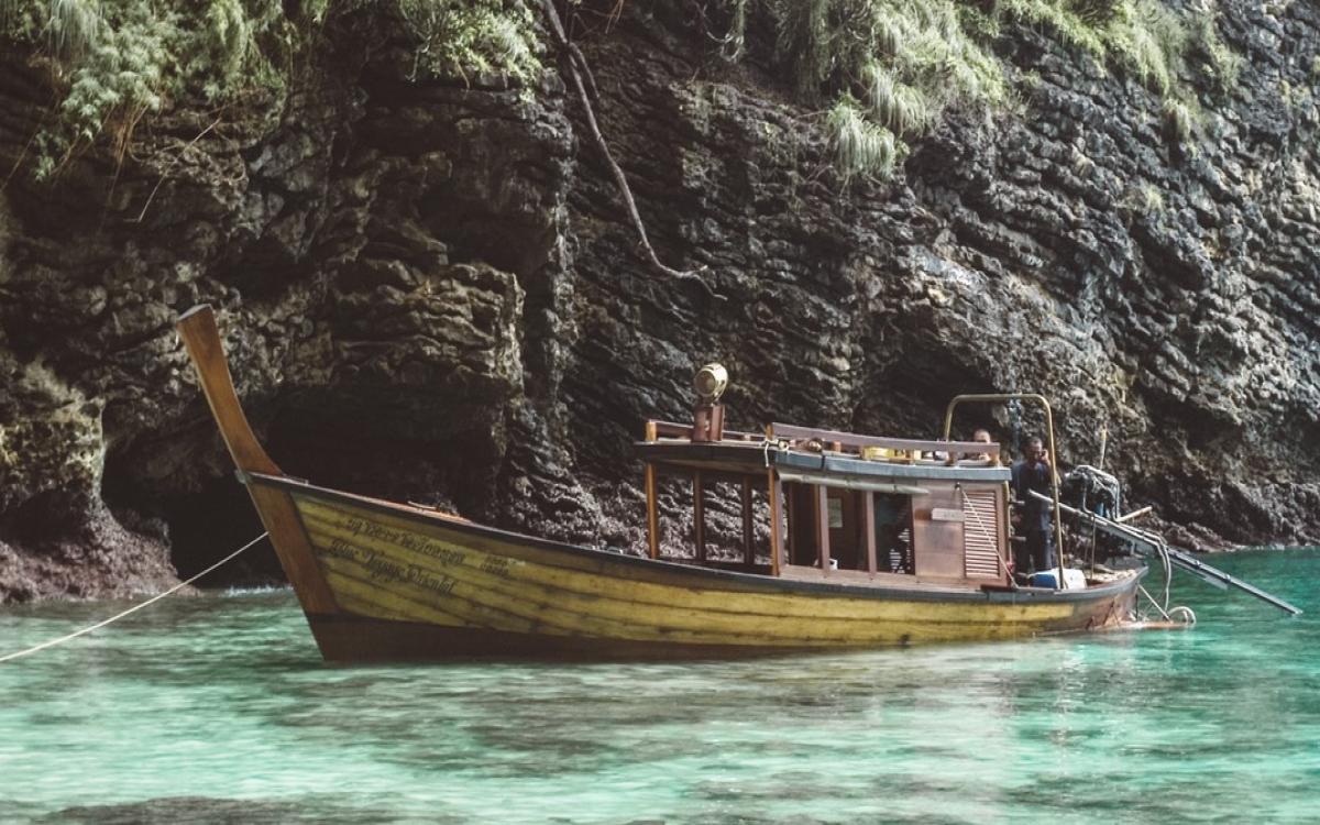 Krabi yacht charter - Long-tail boat