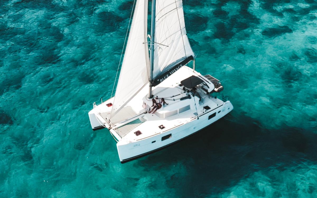 Blue Atoll - Lagoon 400