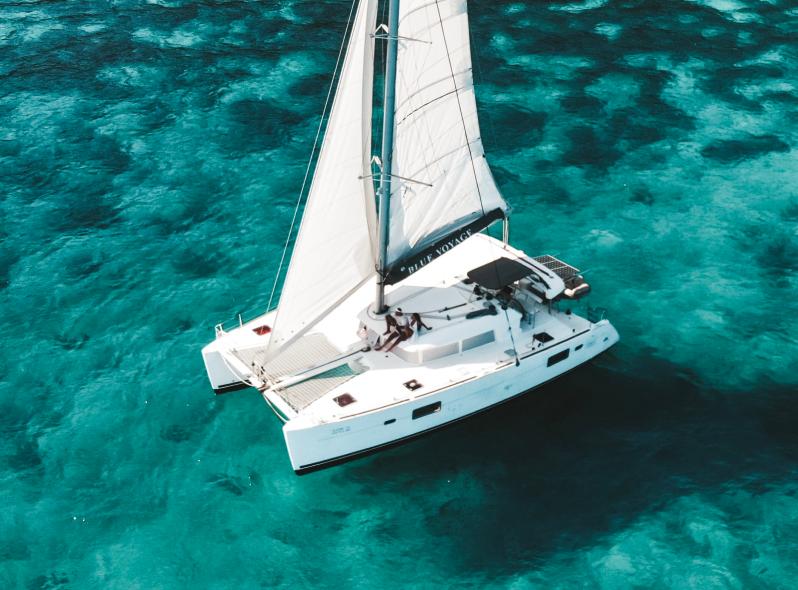 Blue Atoll - Lagoon 400 - Thumbnail